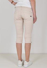 Buena Vista - Denim shorts - sand - 1