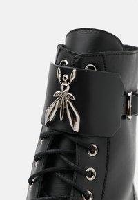 Patrizia Pepe - STIVALI BOOTS - Lace-up ankle boots - nero - 6