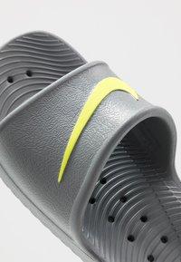 Nike Sportswear - KAWA SHOWER - Rantasandaalit - cool grey/volt - 5