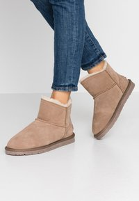 Esprit - LUNA LOW - Classic ankle boots - toffee - 0