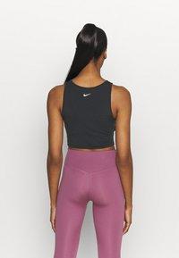 Nike Performance - TANK FEMME  - Funktionsshirt - black/white - 2