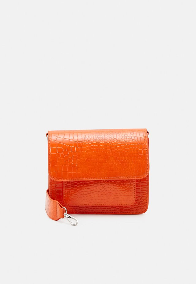 CAYMAN POCKET - Borsa a tracolla - orange
