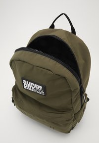 Superdry - CLASSIC MONTANA - Rucksack - forest pine - 4