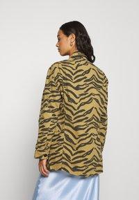 Leon & Harper - VOLVOX FELIN - Short coat - brown - 2