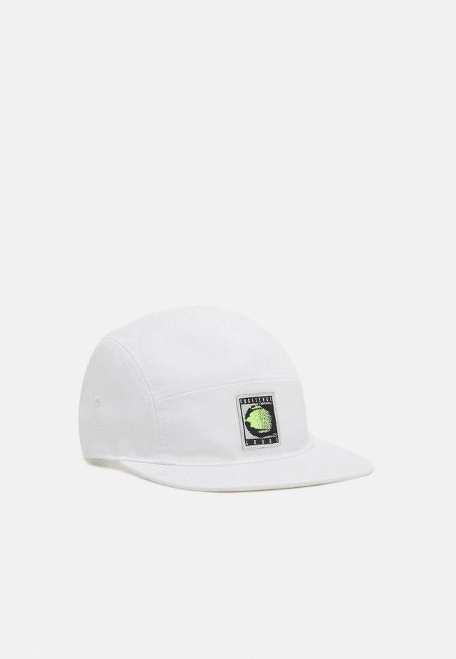 CHALLENGE UNISEX - Cap - white