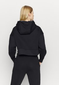 Nike Performance - ALL CROP - Jersey con capucha - black/white - 2