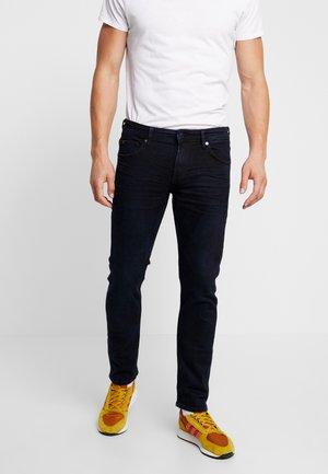PIERS - Jeans slim fit - blue/black denim