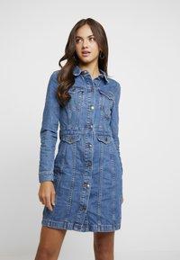 Vero Moda - Day dress - medium blue denim - 0