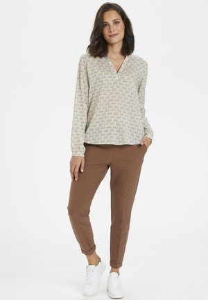 KAEVA  - Blouse - chalk / tannin fan print