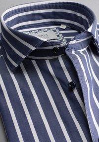 Eterna - MODERN - Formal shirt - marine/weiß - 5