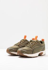 Puma - AXIS - Zapatillas - burnt olive/jaffa orange/silver/whisper white - 2