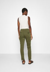 Mos Mosh - GILLES CARGO PANT - Trousers - army - 2