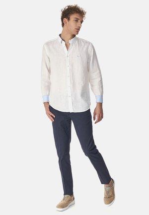 CAMICIA 2 TESSUTI IN LINO CON CONTRASTI COLORE - Overhemd - bianco