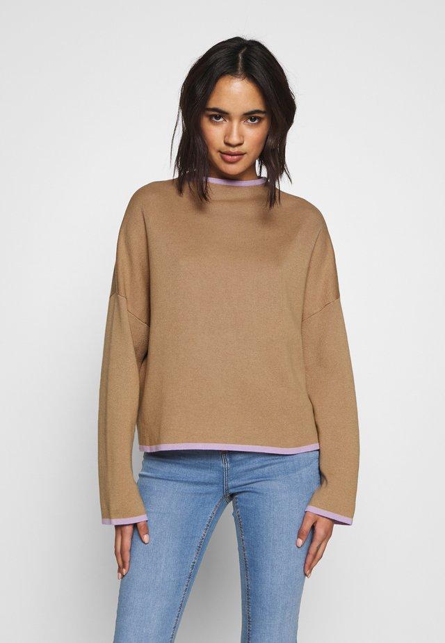 DARLIN JUMPER - Sweter - beige/lila