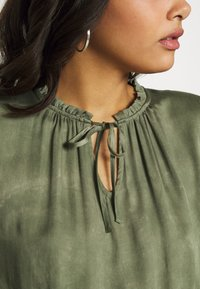 b.young - BYJANETTE - Blouse - sea green combi - 4