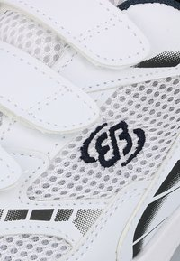 Brütting - Stabilty running shoes - white - 5