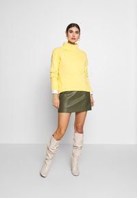 Esprit - EOS NECK - Jumper - dusty yellow - 1