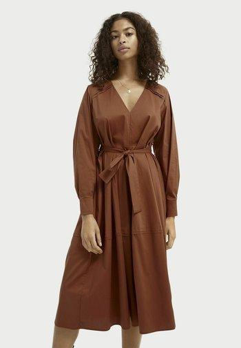 CRISP - Shirt dress - sienna