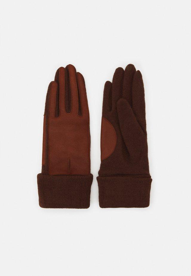 Gloves - rust brown