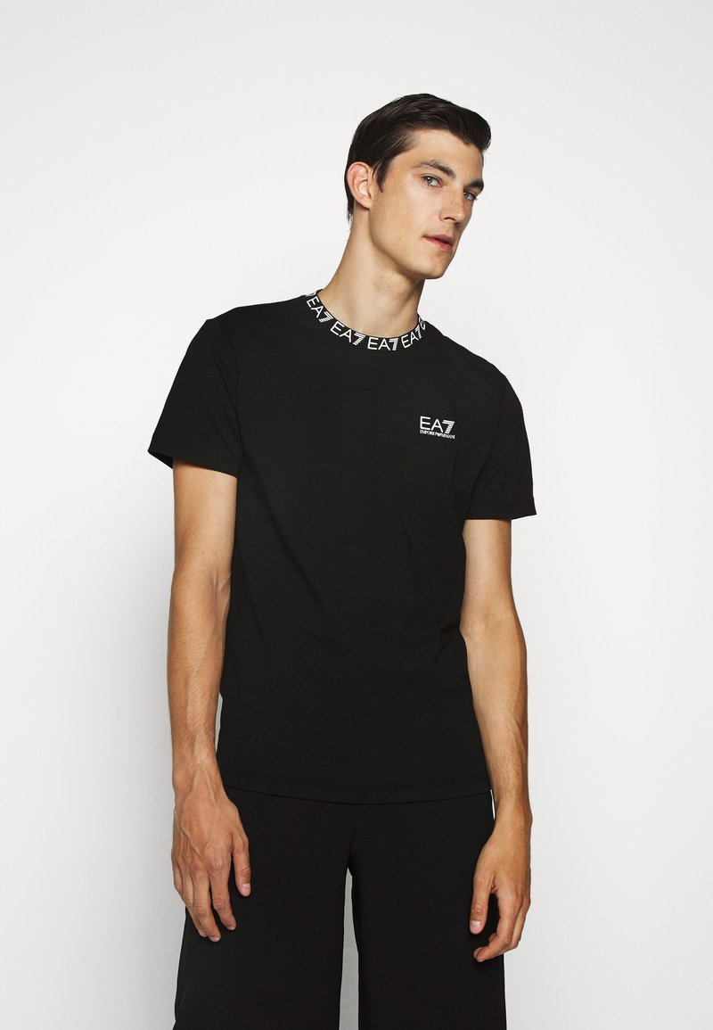 EA7 Emporio Armani - TEE COLLAR LOGO  - T-shirt z nadrukiem - black