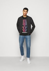 Just Cavalli - Print T-shirt - black - 1