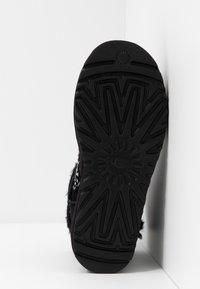 UGG - CLASSIC GALAXY BLING MINI - Boots à talons - black - 6
