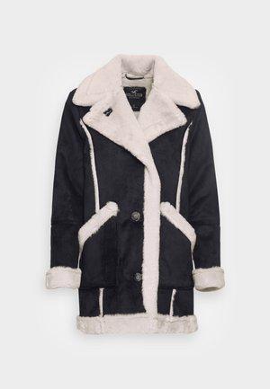 LONG SHEARLING JACKET - Short coat - black