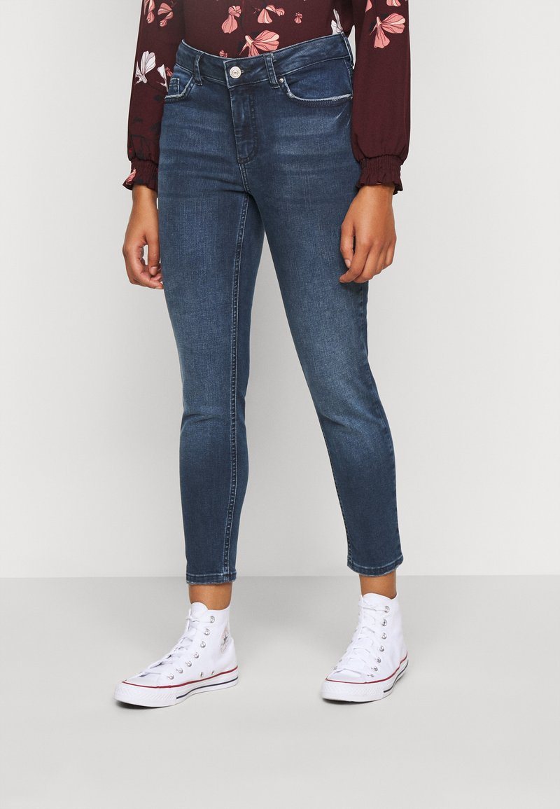 Pieces Petite - PCDELLY - Jeans Skinny Fit - dark blue