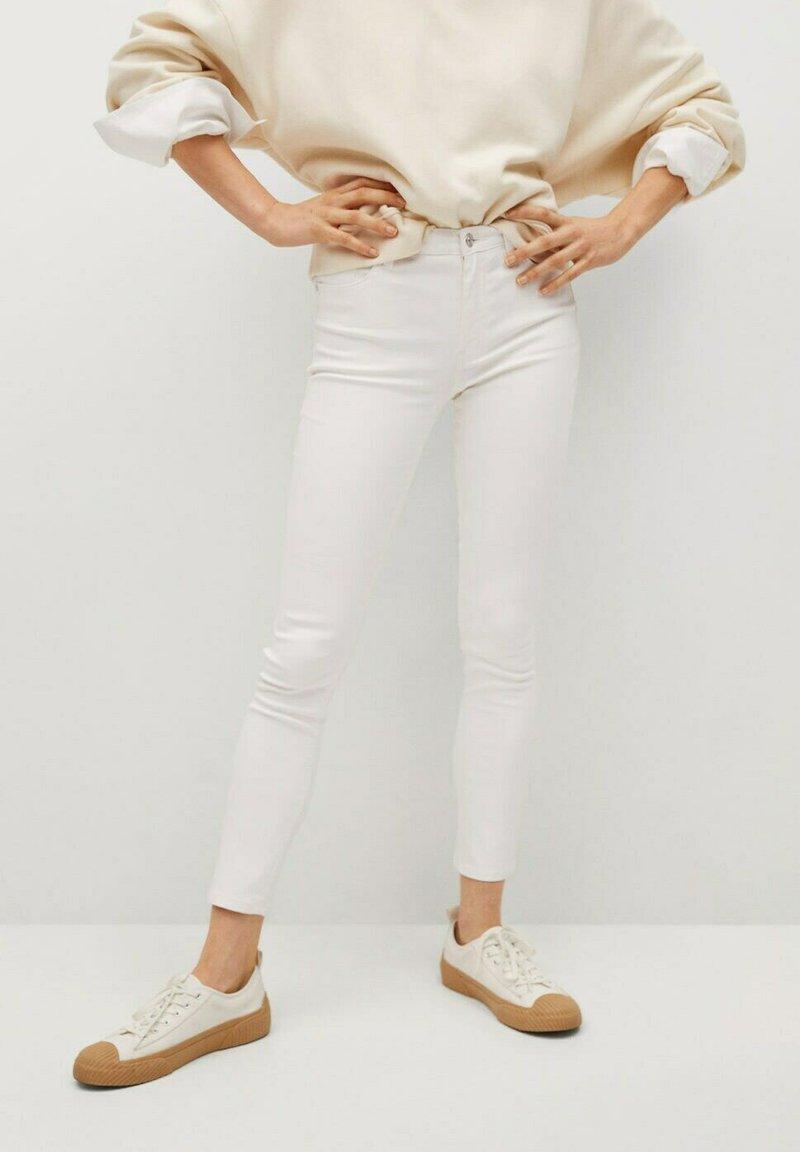Mango - Jeansy Skinny Fit - white