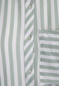 Desires - FENNY  - Shirt dress - frosty green - 5