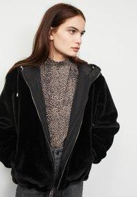 SET - Light jacket - black - 6