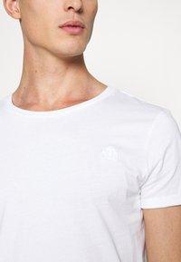 TOM TAILOR DENIM - LONG BASIC WITH LOGO - T-shirt - bas - white - 5