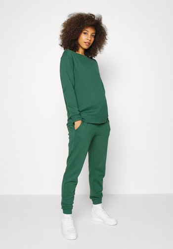BUTTON SIDE TRACK PANT SET - Sweatshirt - green