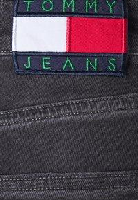 Tommy Jeans - AUSTIN TAPERED - Slim fit jeans - denim black comfort - 4
