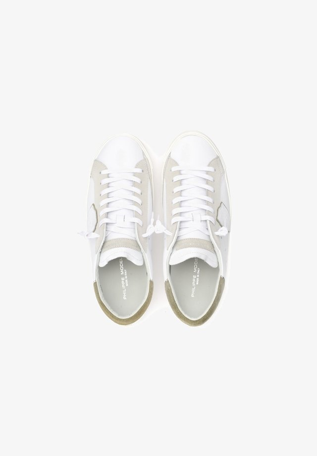 PARIS X IN CON SPOILER VERDE - Sneakers basse - bianco