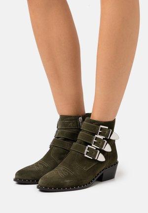 DANTE - Cowboy/biker ankle boot - olive