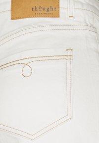 Thought - THOUGHT ECRU CULOTTES - Flared Jeans - ecru white - 2
