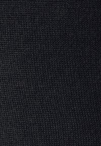 Michael Kors - NEW BASIC TURTLE - Svetr - black - 7