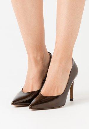 DANELLA - Zapatos altos - dark brown