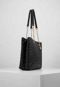 Forever New - QUILTED SHOULDER BAG - Handbag - black - 2