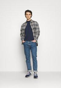 Levi's® - CLASSIC WORKER - Overhemd - greys - 1