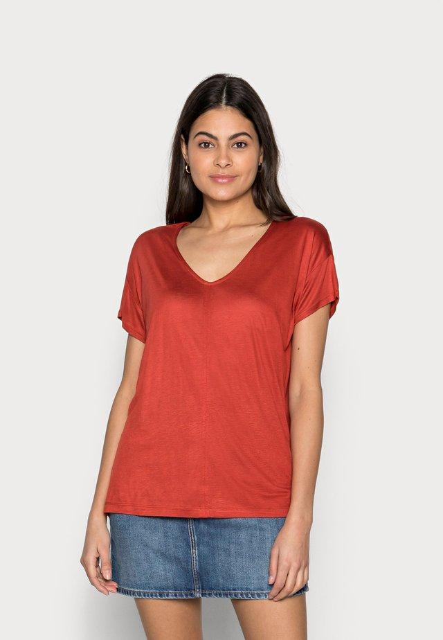 V-NECK SLUB - Basic T-shirt - rooibos orange