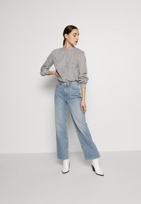 Marc O'Polo - BLOUSE STAND UP COLLAR  - Camisa - soft white - 1
