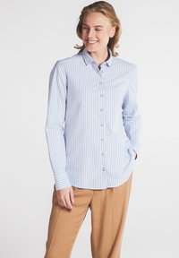 Eterna - MODERN CLASSIC - Button-down blouse - hellblau/weiß - 0