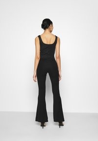 Even&Odd - SWEETHEART NECKLINE SLEEVELESS CROP - Toppi - black - 2