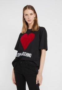 Love Moschino - T-shirt imprimé - black - 0