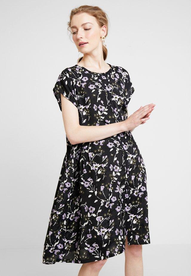 OALLY DRESS - Skjortklänning - black