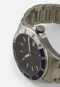 Lacoste - TIEBRAKER - Watch - silver/blue - 3