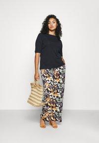 Lauren Ralph Lauren Woman - JUDY ELBOW SLEEVE - Basic T-shirt - navy - 1