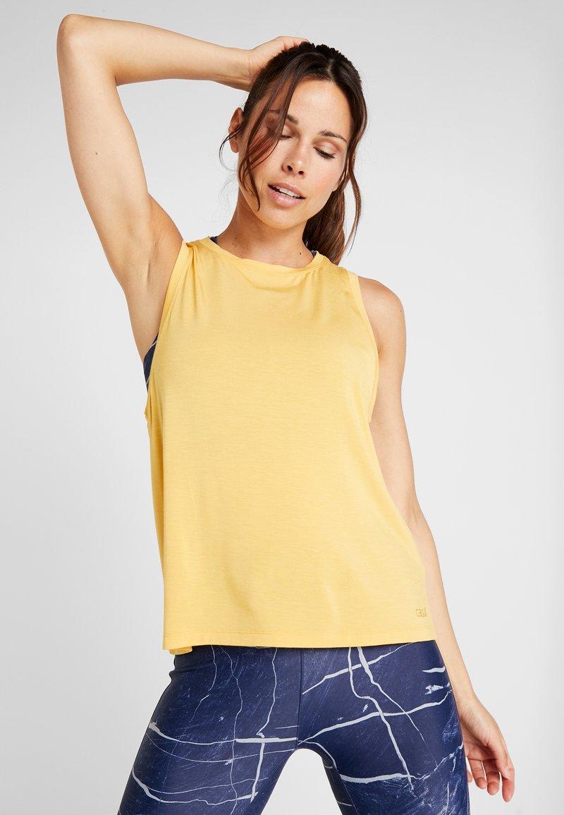 Casall - LUSH MUSCLE TANK - Linne - golden yellow